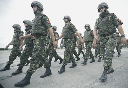 Министр обороны Румынии приедет вМолдову