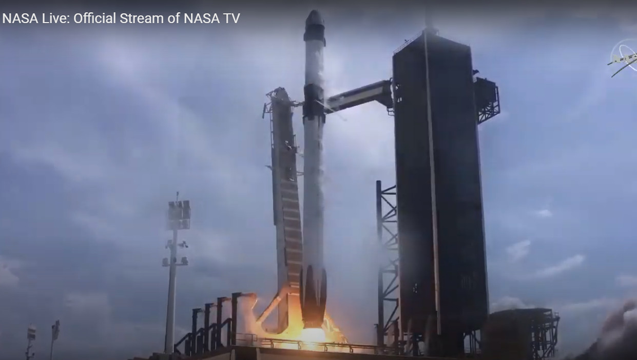 Корабль NASA CrewDragon стартовал к МКС со второй попытки [+ ФОТО, ВИДЕО]