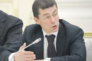 Министр труда Максим Топилин обнаружил среди пенсионеров миллионеров.  Фото с официального сайта правительства РФ