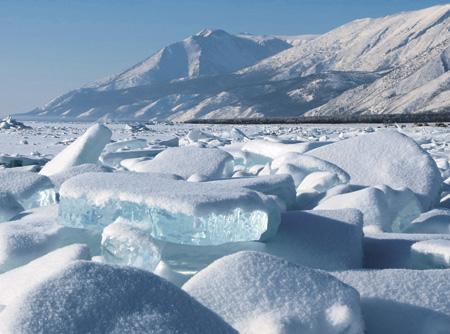 Зимой падение уровня воды в Байкале замедляется. Фото Pixabay