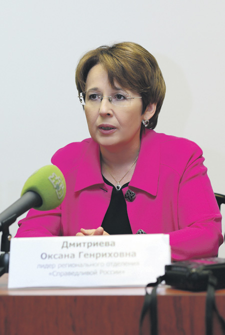 Оксана Дмитриева, которую эксперты считают наиболее раскрученным кандидатом Партии роста, не в восторге от идеи праймериз. Фото с сайтa www.dmitrieva.org