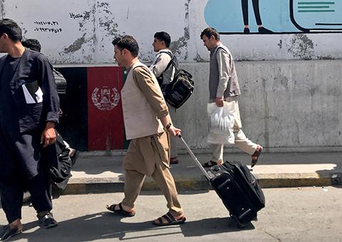 """""""Талибан""""* вернул себе власть не без помощи мировых держав"""