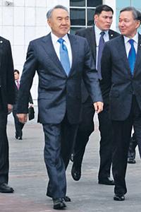 Нурсултан Назарбаев может остаться у власти еще на пять лет. Фото с сайта www.akorda.kz