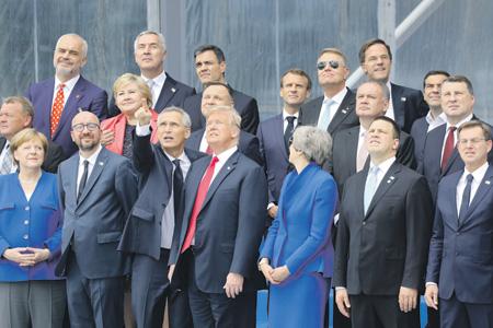 Взгляды лидеров НАТО на необходимость укреплять оборону пока совпадают. Фото Reuters