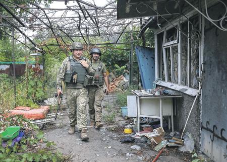 Петр Порошенко надеется только  на свою армию. Фото Reuters
