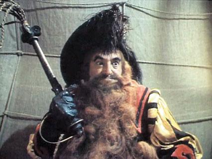 Тиран, воплотивший черты Сталина и Петра Первого.  Кадры из фильма «Приключения Буратино». 1975.