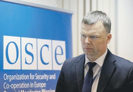 Александр Хуг предупредил о подготовке сторон конфликта к эскалации. Фото Reuters