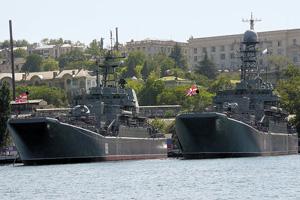 Российские корабли в Севастополе будут переоснащаться.Фото Владимира Захарина