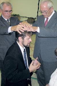 Рукоположение пастора в одной из общин Хайфы. Фото автора