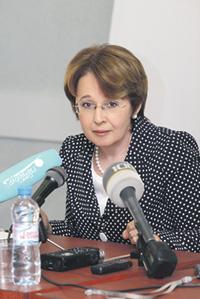 Оксана Дмитриева уверена, что бюджету требуется коррекция.Фото с сайта www.dmitrieva.org