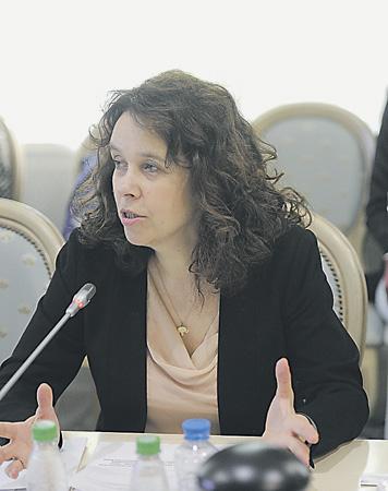 Елена Тополева-Солдунова полагает, что президентскими грантами можно было бы поддержать не только социальные НКО.Фото с сайта www.oprf.ru