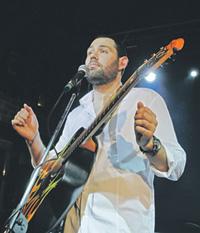 Замечательные песни на злобу дня пишет и исполняет Семен Слепаков.Фото РИА Новости