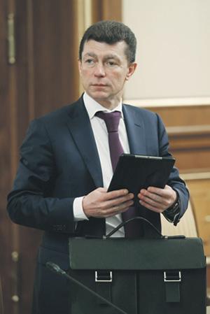 Глава Минтруда Максим Топилин насчитал всего 19 миллионов бедных граждан. Фото РИА Новости