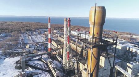 Байкальский целлюлозно-бумажный комбинат не работает уже четыре года, но с его экологическим наследством не удается справиться до сих пор.