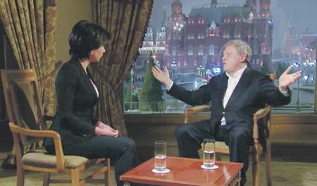 Григорий Явлинский за последние дни побывал в гостях у всех федеральных телеканалов.Кадр из телепрограммы НТВ