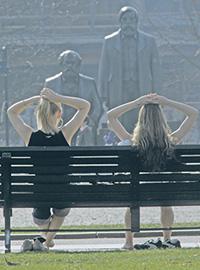 «Маркс был симпатичнее...». «Да, но Энгельс – богаче!»Фото Reuters