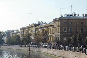 В Санкт-Петербургском госуниверситете аэрокосмического приборостроения сложилась поразительная ситуация с доходами руководства. Фото с сайта ГУАП