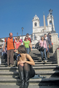 Испанская лестница – излюбленное место встречи туристов.Фото автора