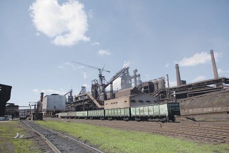 Русские меткомбинаты начали поставки железной руды на«национализированные» вОРДЛО заводы
