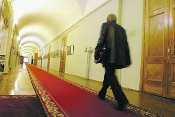 http://www.ng.ru/upload/medialibrary/e6d/129-14-2_t.jpg