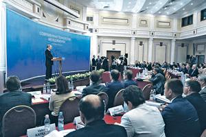 Обучение региональных начальников предлагается сделать обязательным. Фото с официального сайта президента РФ