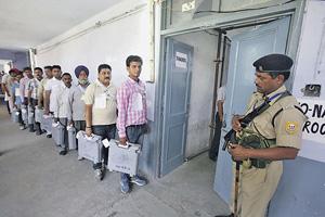 Индийская демократия для честного подсчета голосов построена!Фото Reuters
