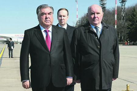 Эмомали Рахмона в Москве встречал заместитель министра иностранных дел РФ Григорий Карасин