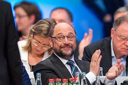 Съезд СДПГ проголосовал заначало переговоров спартией Меркель