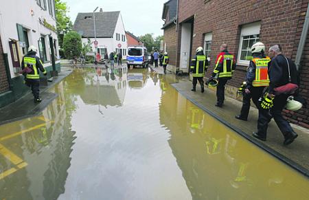 природные катастрофы, германия, наводнение, власть, оппозиция, зеленые, политика